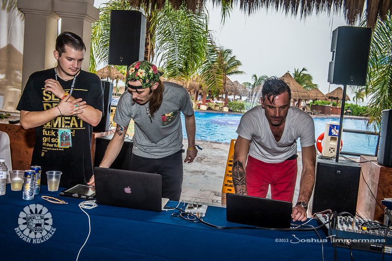 Mayan Holidaze Day 2 Fans & Resort Grounds - 12/17/13 - Now Sapphire Resport & Spa - Puerto Morelos, Mexico.  ©Josh Timmermans 2013